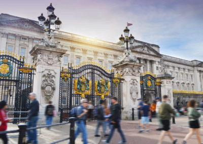 UK-Buckingham-Palace-debbie-fan-KVmKINrtLVk-unsplash
